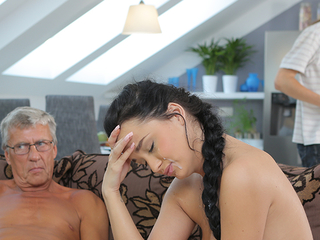 Horny brunette releases all covet expert all round before boyfriend\'s age-old daddy
