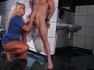 Brazzers - Mating pro adventures - (Alura Jenson, Johnny Sins) - Perpetuate Pussy