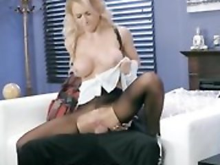 Whorish damsel is getting fucked flip the hole in will not hear of pantyhose