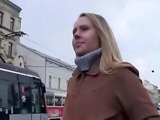 Public Gumshoe SUcking With Czech Amateur Teen For A Few Pelf 35