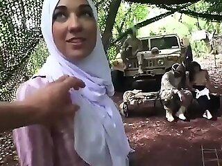 穆斯林美国人第一次阿米尔的交付