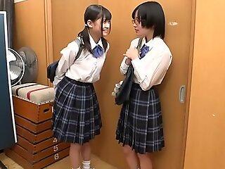 小小 年轻 日语 女同 女学生 捆绑 性交 和 xxx 受虐 按 班 伴侣