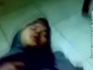里卡曼(Rekaman Pribadi Mahasiswi Jilbaber)