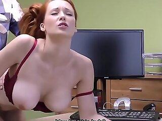 贷款4K。红发美女对宠物手术起初具有恶意