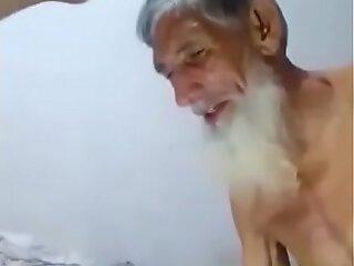 巴基斯坦叔叔与年轻侄子发生性关系