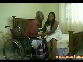 xxxmaal xxx porn membrane  -Thisaravige Rathriya Hot scene fro Old chap