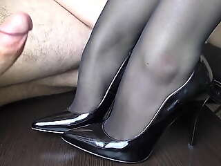 Young Handjob atop her trotters forth stockings - Disreputable fetish, cum atop trotters