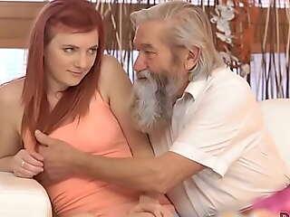 DADDY4K. Redhead liebt snuff it Art und Weise% 2C wie BF und sein remodel Vater ihren Cunny verehren