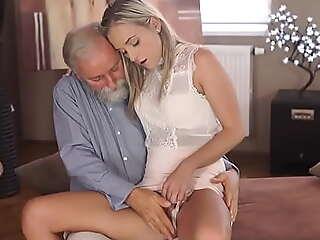 OLD4K. Lama geografi vicar mengongkek slutty berambut perang dalam pelbagai seks artificiality