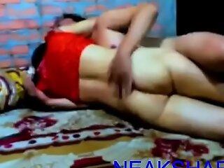 高棉妻子在出租屋与情人交往